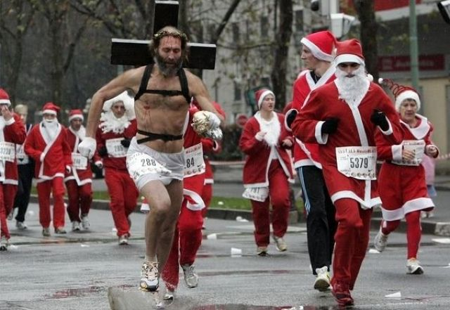 Jesus-crashes-santa-race